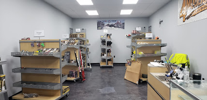 Attention Cincinnati Ohio and Tri-State area Jeepers-showroom1.jpg