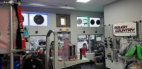 Attention Cincinnati Ohio and Tri-State area Jeepers-showroom2.jpg