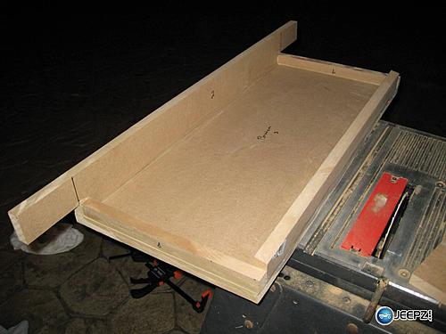 Subwoofer inside of a Jeep Wrangler rear seat-sub_box_1_jeep_wrangler_subwoofer.jpg
