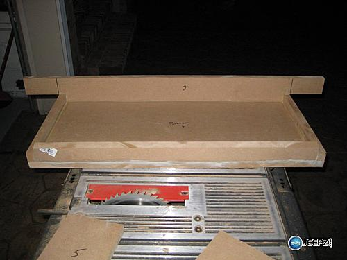 Subwoofer inside of a Jeep Wrangler rear seat-sub_box_3_jeep_wrangler_subwoofer.jpg