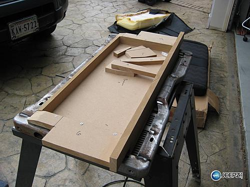 Subwoofer inside of a Jeep Wrangler rear seat-side3_jeep_wrangler_subwoofer.jpg