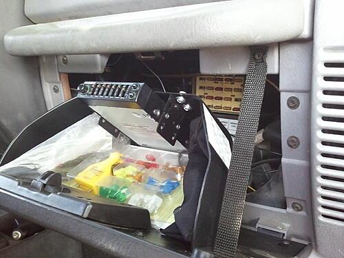 Subwoofer inside of a Jeep Wrangler rear seat-2011-09-29-11.58.47.jpg