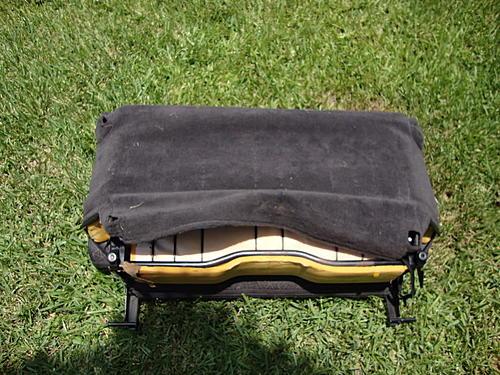 Subwoofer inside of a Jeep Wrangler rear seat-dsc00076.jpg