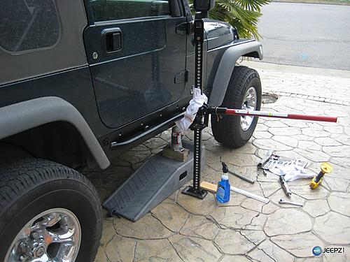 How to install Rock Sliders on a Jeep Wrangler-installing_jeep_wrangler_rock_slider.jpg