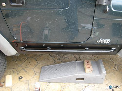 How to install Rock Sliders on a Jeep Wrangler-finished_jeep_wrangler_rock_slider.jpg