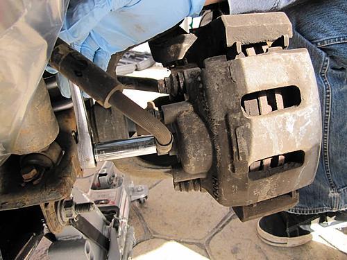 Installing extended Jeep brake hoses-removing-bottom-bolt_jeepz.jpg