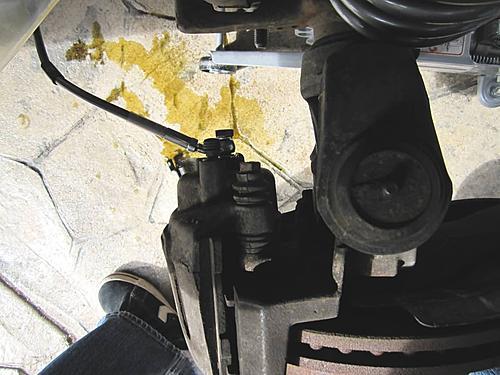 Installing extended Jeep brake hoses-brake-line-bolt-caliper_jeepz.jpg