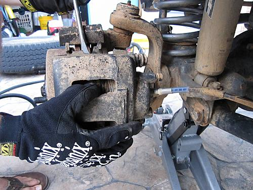 Jeep brake pad change-5_remove-caliper.jpg