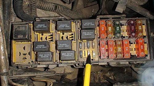 Jeep cranks but does not start. No check engine light.-dsc00308.jpg