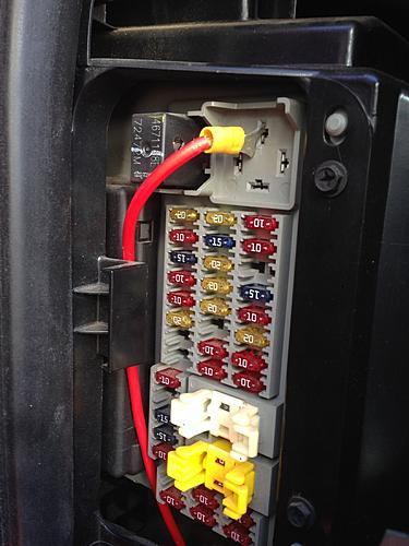 Where Is The Fuse Box On A Jeep Wrangler on