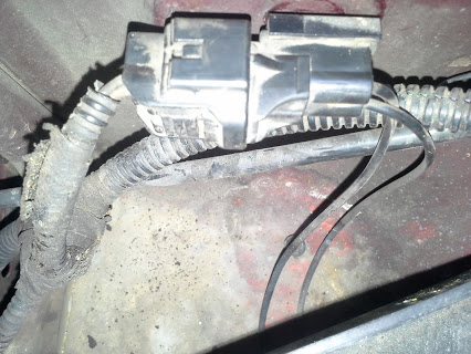 1998 Jeep Cherokee Battery Tray Replacement-jeep_battery_tray_3.jpg