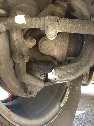 1994 XJ steering knuckle ball joints-cimg2850.jpg