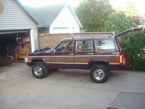 Cherokee pics. Lets see your rig-waggy.jpg