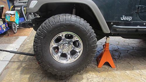 Wrangler TJ wheel hub / bearing assembly replacement-2-jack-up-jeep.jpg