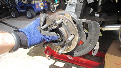 Wrangler TJ wheel hub / bearing assembly replacement-13-pull-hub-assembly-off.jpg