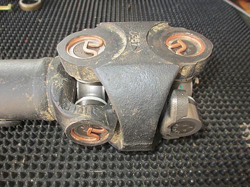 Jeep front driveshaft (CV / dual cardan) rebuild-02-jeep-double-cardian.jpg
