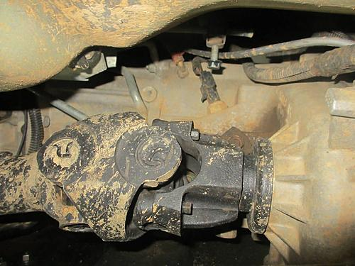 Jeep front driveshaft (CV / dual cardan) rebuild-03-wrangler-driveshaft-removal.jpg