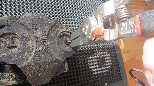 Jeep front driveshaft (CV / dual cardan) rebuild-10-removing-jeep-driveshaft-snap-rings.jpg