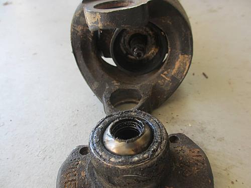 Jeep front driveshaft (CV / dual cardan) rebuild-17-driveshaft-centering-pin.jpg
