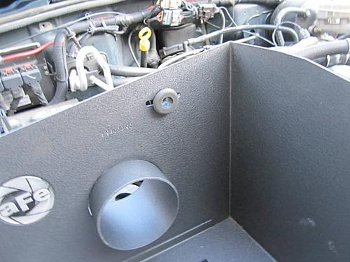Install a cold air intake on a Jeep Wrangler TJ-13-install-intak-grommet.jpg