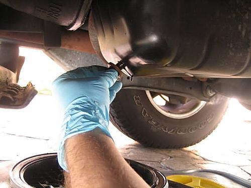 How to change the oil in a Jeep Wrangler TJ-wrangler_oil_change-137.jpg