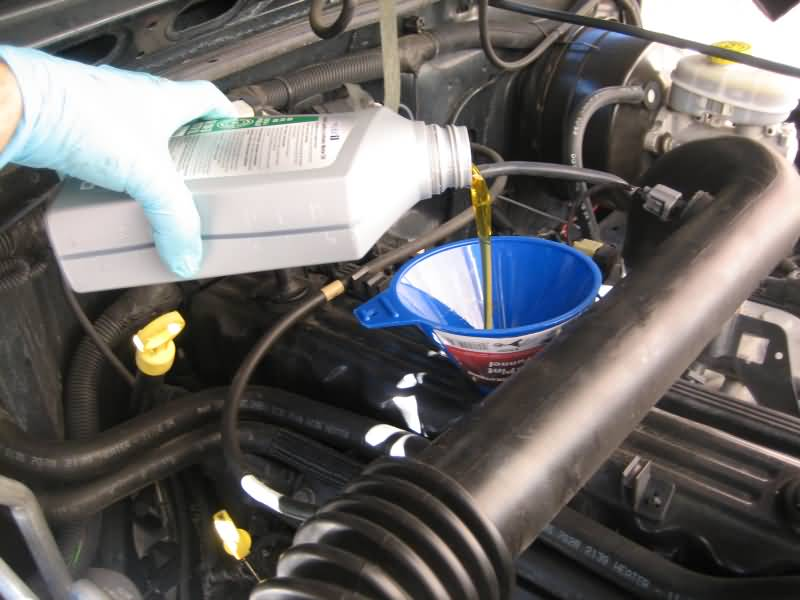 How do you change the oil in a 2004 Jeep Cherokee?