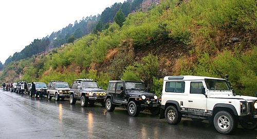 Snow Cross 2010 & Extreme Offroad Conference on 6 th & 7 th Feb 2010 in Nathiagali-ijc-line-up-outside-abbotabad-nathiagali-rd.jpg