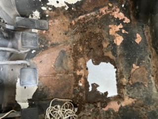 Rusty floor boardsJeep YJ-2c5c76ee-f26a-4d2b-9e73-6e854ca23050.jpeg