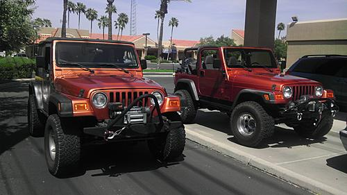 Jeeps parking next to other Jeeps-imag0027.jpg