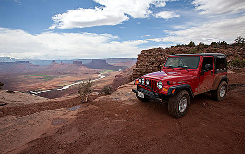 Jeeps in beautiful places.-dome-plateau-moab.jpg