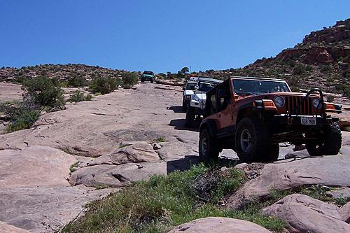 Jeeps in beautiful places.-moabrim.jpg
