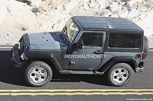2018 Wrangler spy shots-2018-jeep-wrangler-test-mule-spy-shots-image-via-s-baldauf-sb-medien_100525763_h.jpg
