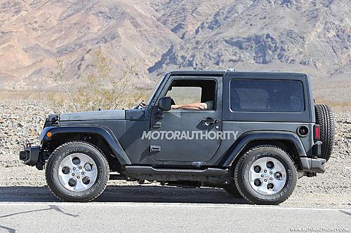 2018 Wrangler spy shots-2018-jeep-wrangler-test-mule-spy-shots-image-via-s-baldauf-sb-medien_100525770_h.jpg