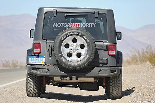 2018 Wrangler spy shots-2018-jeep-wrangler-test-mule-spy-shots-image-via-s-baldauf-sb-medien_100525776_h.jpg