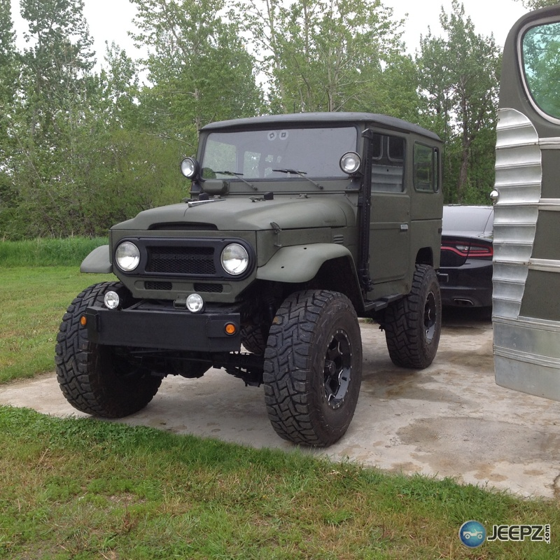 Any Older FJ40 landcruiser owners?