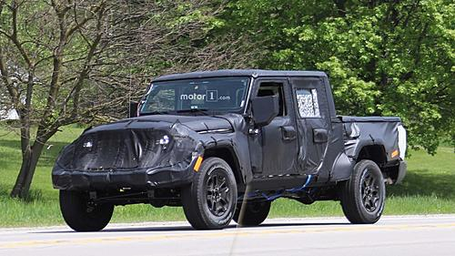 More photos of the upcoming 2019 Jeep Wrangler Pickup-2019-jeep-wrangler-pickup-spy-photo.jpg