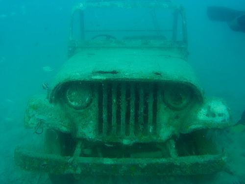 Hazard a guess at this Jeep model-t3l2yobjcvo01.jpg