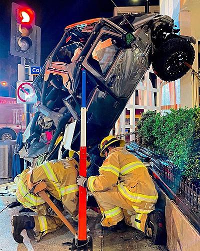 Jeep falls down 6 floors driver survives!-jeep-7_2905848626102868_734677207070277632_o.jpg