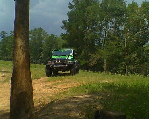 More lunch hour wheelin on ranch . . .-jeep3.jpg
