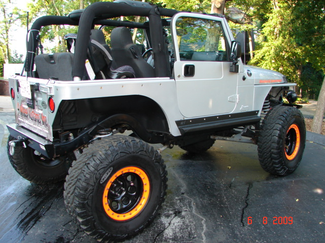 """2004 Jeep TJ Supercharger, Stroked, & Lifted 8"""" 400 HP Engine"""