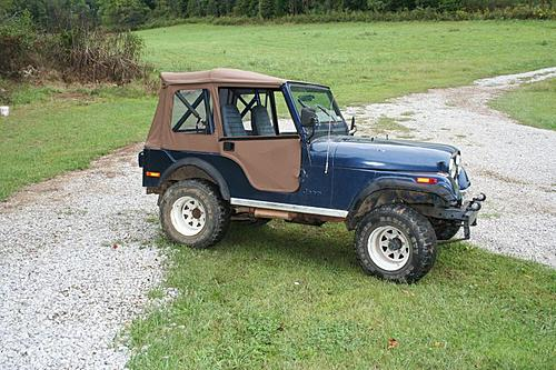 76 CJ5 Restoration-before-tear-down1.jpg