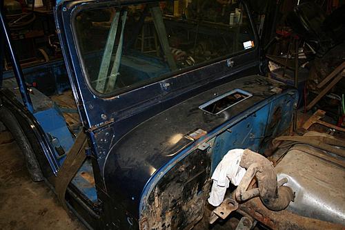 76 CJ5 Restoration-body-off3.jpg