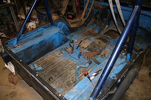 76 CJ5 Restoration-body-off4.jpg