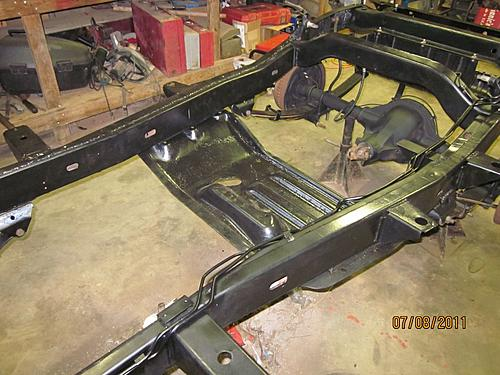 76 CJ5 Restoration-frame-fuel-lines.jpg