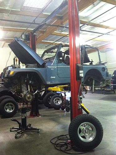 Jordan Pellegrino bought his first Jeep today....build to come!-1079869_611943798837279_203133759_n_zps2a7386fe.jpg