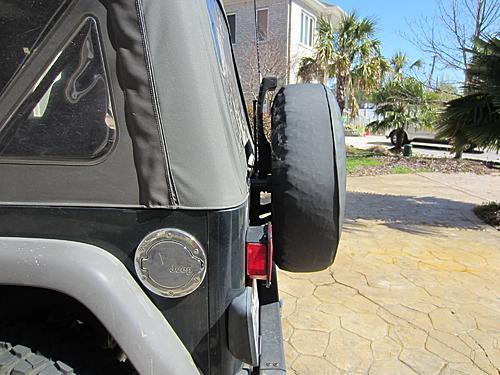 Exogate Tire Carrier-02-stock-wrangler-tire-carrier.jpg