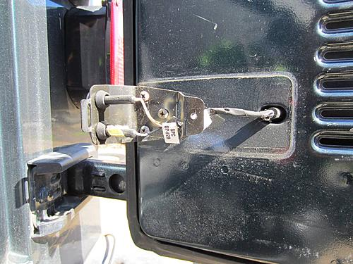 Exogate Tire Carrier-06-tailgage-electrical-wiring.jpg