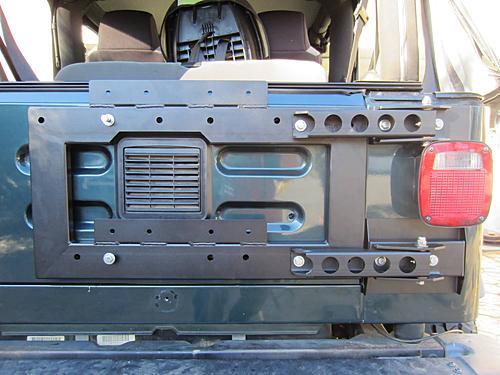 Exogate Tire Carrier-26-mounted-tire-carrier.jpg