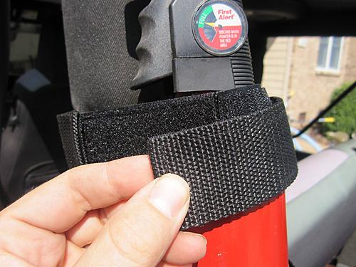 Rugged Ridge Jeep Fire Extinguisher Holder-2010-08-28-007_jeep_fire_extinguisher.jpg