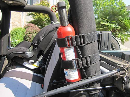 Rugged Ridge Jeep Fire Extinguisher Holder-2010-08-28-011_jeep_fire_extinguisher.jpg